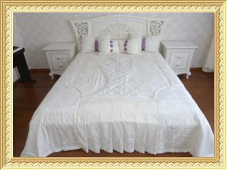 Подушки, покрывала, балдахины